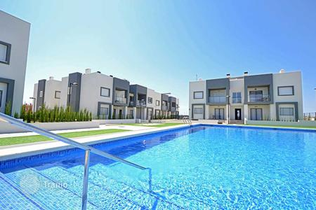 Apartments for sale in Valencia. Apartment with private garden close to the beach in Torrevieja