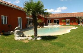 Residential for sale in Occitanie. Modern villa with a pool, an orchard and a patio, overlooking the mountains, Lannemezan, France