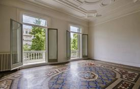 Luxury 6 bedroom apartments for sale in Europe. A unique apartment with a spacious terrace, in a historic building with an elevator, in the center of Barcelona, Spain