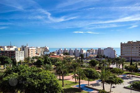 Cheap apartments with pools for sale in El Campello. Apartment with sea views in El Campello
