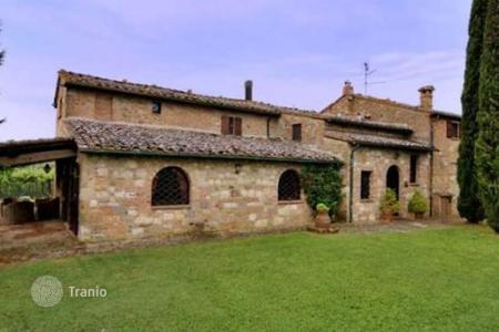Luxury houses for sale in Montepulciano. Villa - Montepulciano, Tuscany, Italy