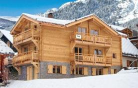 Property to rent in Huez. Cozy chalet for 16 people with everything you need to relax in Alp d'Huez, French Alps, France