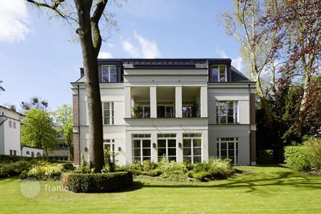 Luxury new homes for sale in Germany. Respectable ground floor apartment with private garden in the district of Dahlem, in Berlin