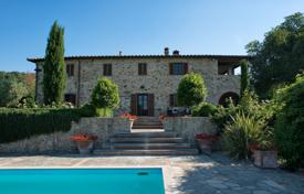 Luxury houses for sale in Umbria. House with swimming pool in Umbria, Italy