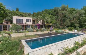Luxury houses for sale in Chateauneuf-Grasse. Cannes backcountry — Panoramic sea view