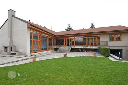 4 bedroom houses for sale in Central Bohemia. Villa - Roztoky, Central Bohemia, Czech Republic