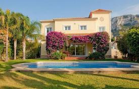 6 bedroom houses for sale in Denia. Villa – Denia, Valencia, Spain