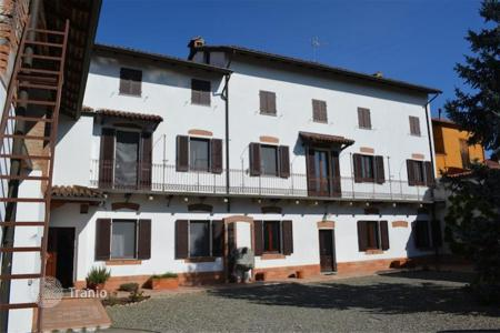 4 bedroom houses for sale in Piedmont. Detached house – Piedmont, Italy