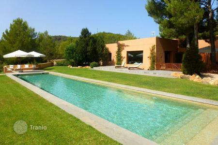 Luxury 5 bedroom houses for sale in Ibiza. Secluded Site Near Beautiful Benirras Beach