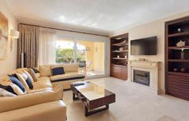 Property for sale in Port d'Andratx. Apartment with a garden, in Port Andratx, Mallorca, Spain. Residentce with a club, swimming pools, a spa and around-the-clock security