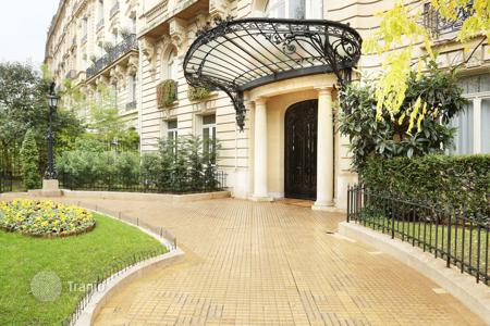 Luxury 4 bedroom apartments for sale in Ile-de-France. Paris 16th District – Avenue Henri Martin
