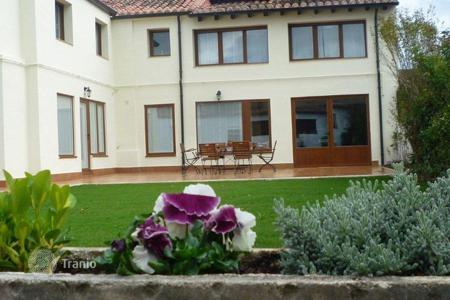 Residential to rent in Burgos. Detached house - Burgos, Castille and Leon, Spain