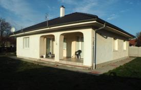 2 bedroom houses for sale in Central Bohemia. Detached house – Central Bohemia, Czech Republic