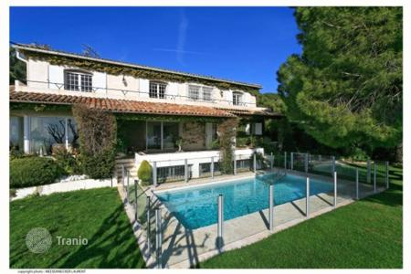 6 bedroom houses by the sea for sale in Cannes. Detached house – Cannes, Côte d'Azur (French Riviera), France