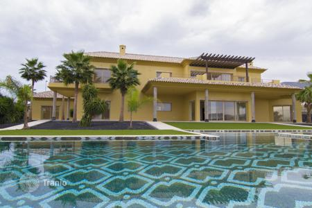 Luxury 5 bedroom houses for sale in Adeje. Villa - Adeje, Canary Islands, Spain