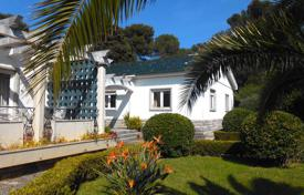 Two-storey villa with garden and pool in the bustling area of Birr, a suburb of Cascais, Portugal for 3,437,000 $