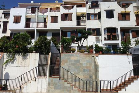 Coastal property for sale in Calafell. Terraced house – Calafell, Catalonia, Spain