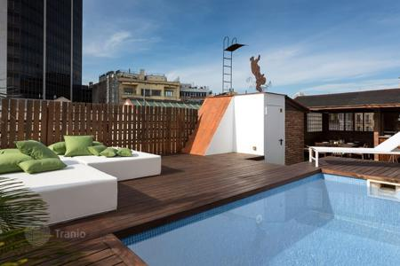 Apartments for rent with swimming pools in Spain. Apartment – Barcelona, Catalonia, Spain