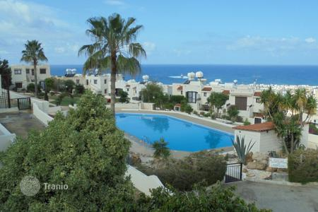Apartments with pools for sale in Chloraka. 3 Bed Luxurious Penthouse with full seaviews in Melanos REDUCED