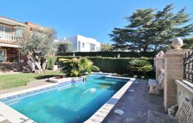 Houses for sale in Badalona. Spacious villa with a swimming pool, a bar and a games room in a prestigious urbanization, Badalona, Spain