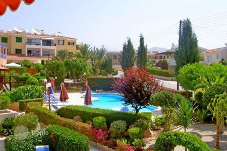 Cheap property for sale in Paphos. Townhouse in the cozy complex, located in the charming village of Peyia, Cyprus