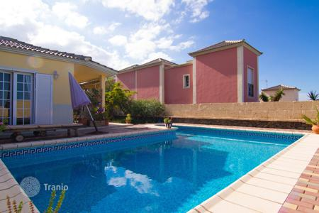 Townhouses for sale in Tenerife. Terraced house - Adeje, Canary Islands, Spain