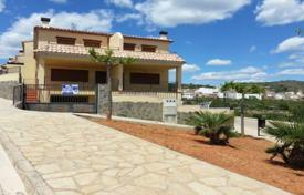 Foreclosed 3 bedroom houses for sale in Costa del Azahar. Villa – Benicasim, Valencia, Spain