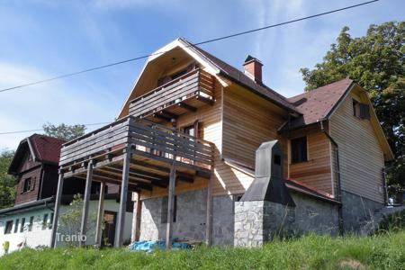 Property for sale in Slovenia. Set in an idyllic location, in a small clearing this is a cute cottage close to Skiing