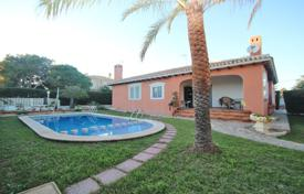 Villas and houses with pools by the sea for sale in Costa Blanca. Furnished villa 300 meters away from the beach in Cabo Roig, Alicante, Spain