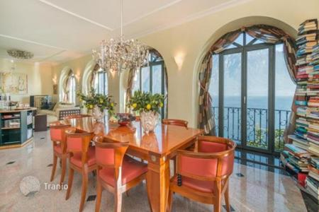 Luxury residential for sale in Bellagio. Exclusive villa with a private jetty and gardens on Lake Como, Bellagio, Italy