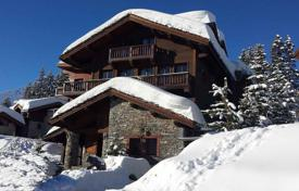 Villas and houses for rent with swimming pools in French Alps. Great chalet with excellent service in the fashionable ski resort of Courchevel, French Alps