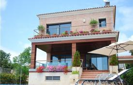 5 bedroom villas and houses by the sea to rent in Costa Dorada. Villa – Tarragona, Catalonia, Spain