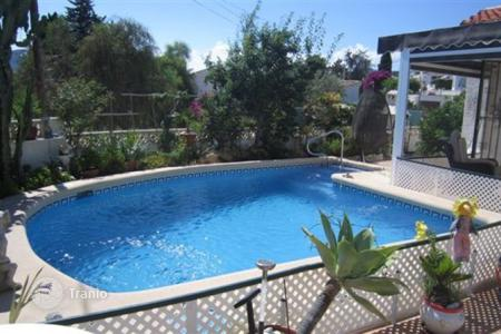 Cheap 2 bedroom houses for sale in Calpe. Villa – Calpe, Valencia, Spain