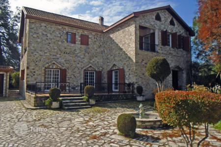 Residential for sale in Psevdas. Three Bedroom Detached Luxury Stone House
