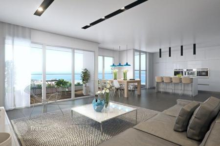 New homes for sale in Israel. Apartment with balcony in a new residence, in 200 meters from the sea-front, in Netanya, Israel
