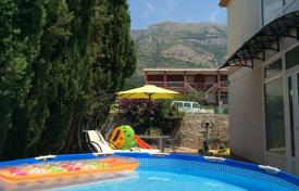5 bedroom houses by the sea for sale in Montenegro. Family house with garden