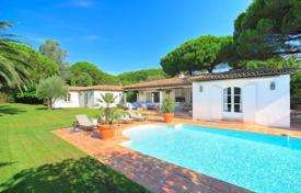 Saint-Tropez — Lovely storey villa. Price on request
