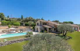 Residential for sale in Tourrettes-sur-Loup. Close to Saint-Paul de Vence — Modern Provencal-style villa