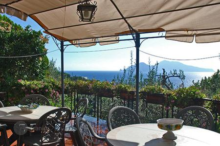 Villas and houses to rent in Amalfi. Villa Maria