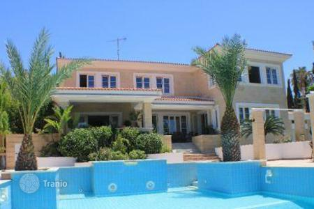 Luxury houses for sale in Chloraka. 6 Bedroom Luxury Villa, Sea Views and TITLE DEEDS — Chlorakas