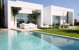 Luxury villa with 4 bedrooms and private pool in Las Colinas Golf for 885,000 €