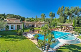 Villas and houses to rent in Ramatyuel. Pretty villa with sea view, Saint Tropez