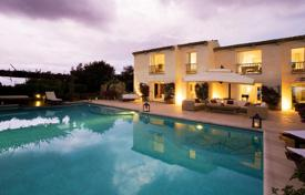 Luxury residential for sale in Costa Smeralda. Three-level furnished villa overlooking the sea in Porto Cervo, Sardinia, Italy