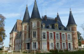 Luxury chateaux for sale in France. Historical castle in Empire style with park and pond, Fontainebleau, France