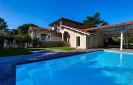 Luxury residential for sale in Nouvelle-Aquitaine. Two villas with a swimming pool near the beach, in Anglet, Aquitaine, France