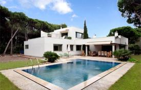 Luxury houses with pools for sale in Catalonia. Villa – Gava, Catalonia, Spain