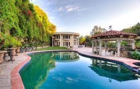 Sumptuous 6 bedroom villa in Los Angeles, California. Swimming Pool. Garden. French Style.. Price on request