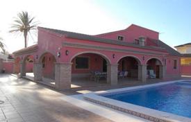Coastal property for sale in Cabo Roig. Villa in Cabo Roig