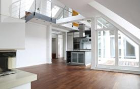 Luxury apartments for sale in Munich. Apartment with a terrace, in a renovated residence with a garden and a parking, in Ludwigsvorstadt-Isarvorstadt district, Munich, Germany