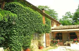 3 bedroom houses for sale in Tuscany. Villa – Trequanda, Tuscany, Italy
